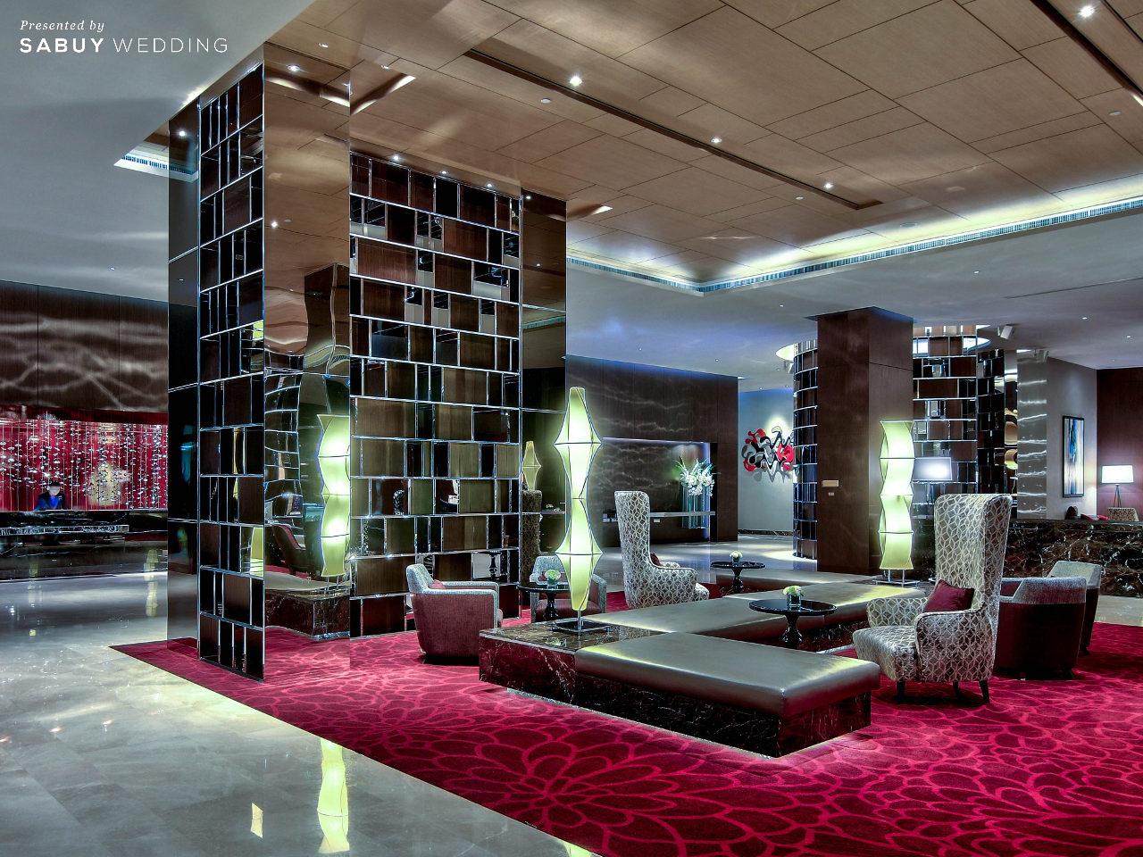 Radisson Blu Plaza Bangkok โรงแรมสุดหรู ใกล้รถไฟฟ้า จัดงานแต่งสบายในงบ 350K!