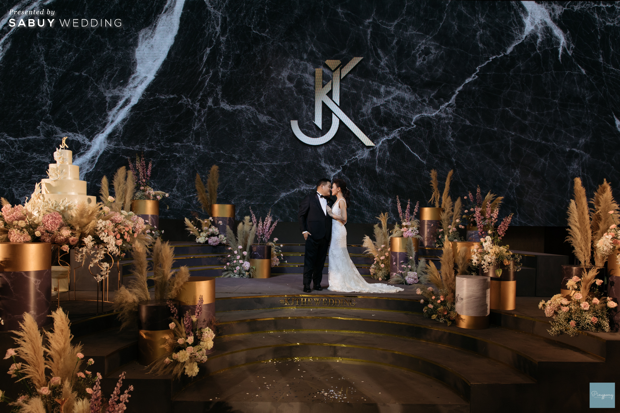 งานแต่งงาน,เจ้าสาว,เจ้าบ่าว,ชุดแต่งงาน,ชุดเจ้าสาว รีวิวงานแต่งสวยปังดูดี ด้วยโทนสีและจอ LED สุดอลัง @ Conrad Bangkok