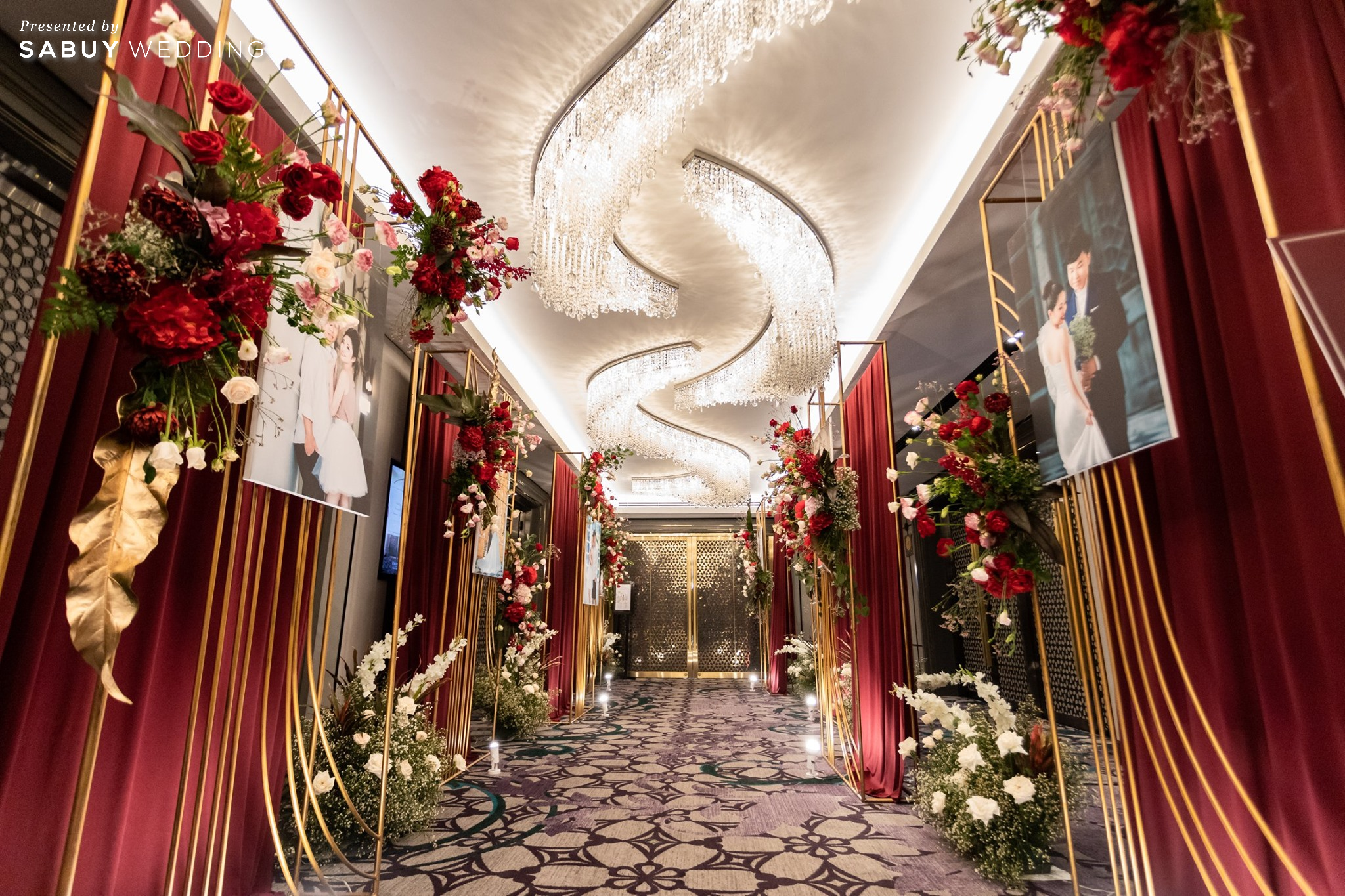 backdrop,แกลอรี่,ตกแต่งงานแต่ง,ออแกไนเซอร์ รีวิวงานแต่งสวยปังดูแพง กับโทนสี Red Burgundy @ Chatrium Hotel Riverside Bangkok