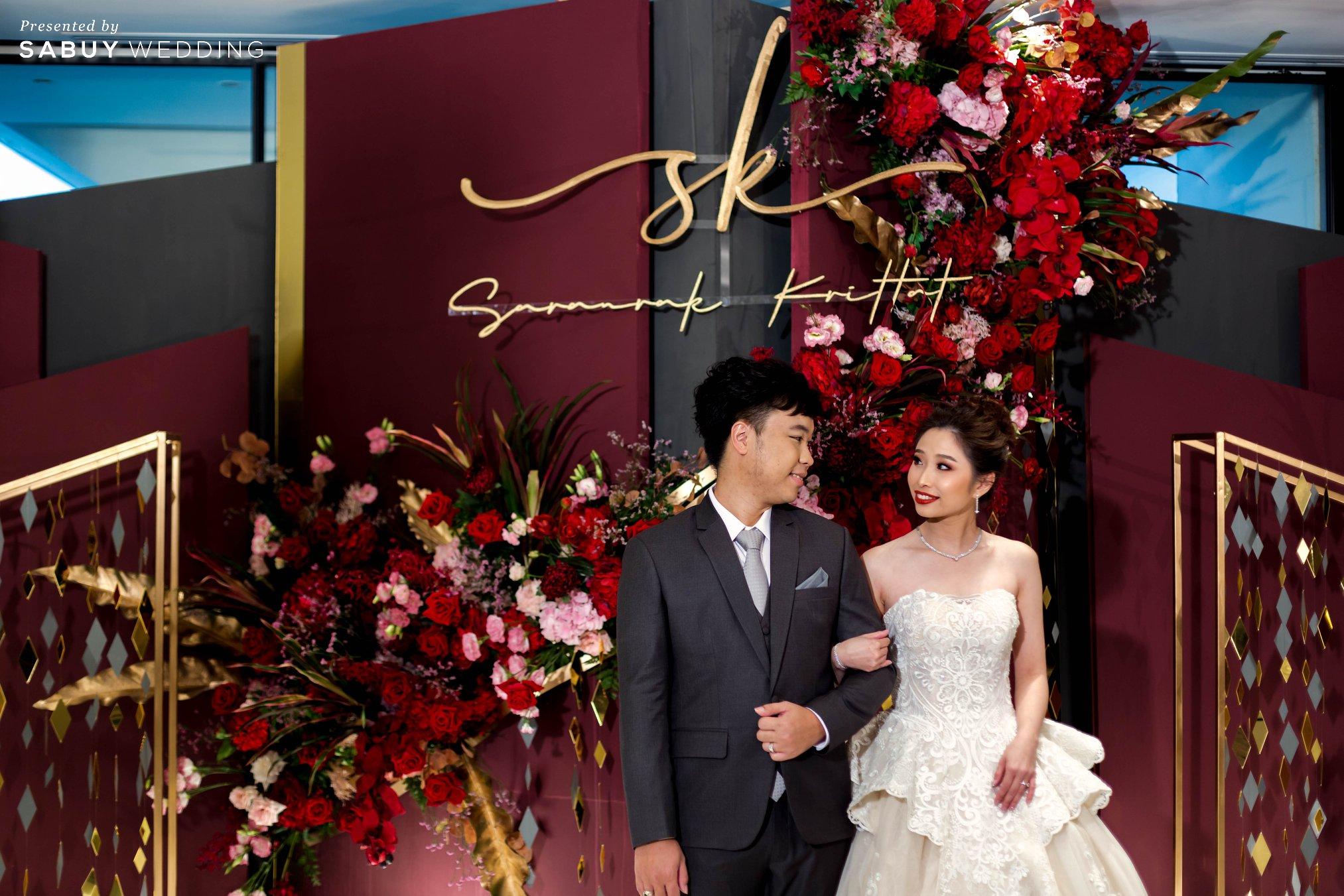 backdrop,เจ้าบ่าว,เจ้าสาว,ตกแต่งงานแต่ง,ออแกไนเซอร์ รีวิวงานแต่งสวยปังดูแพง กับโทนสี Red Burgundy @ Chatrium Hotel Riverside Bangkok