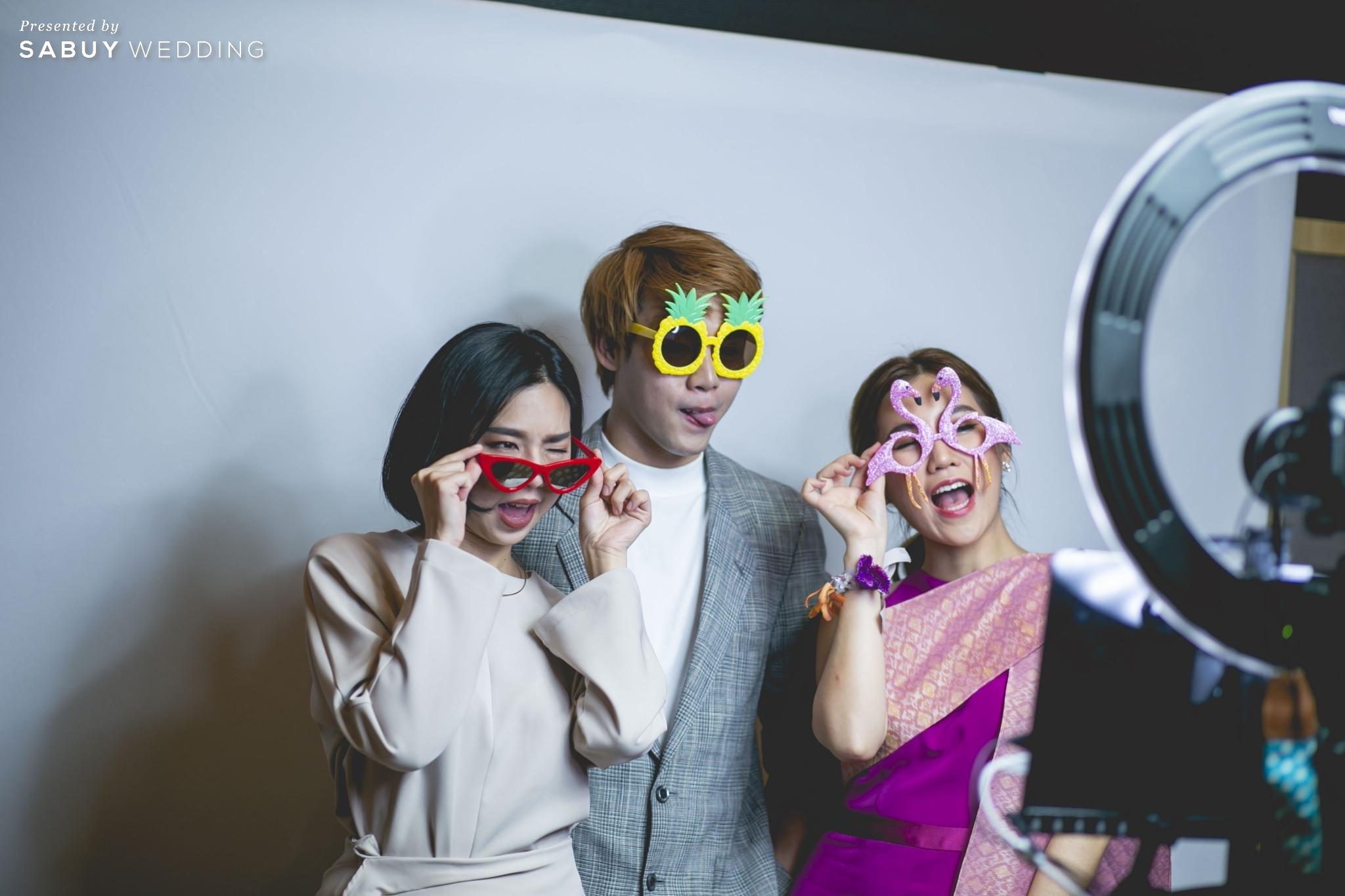 Photo booth รีวิวงานแต่งแซ่บจี๊ดใจ สวยสดใสด้วยโทนสี Colorful @ AVANI+ Riverside Bangkok Hotel