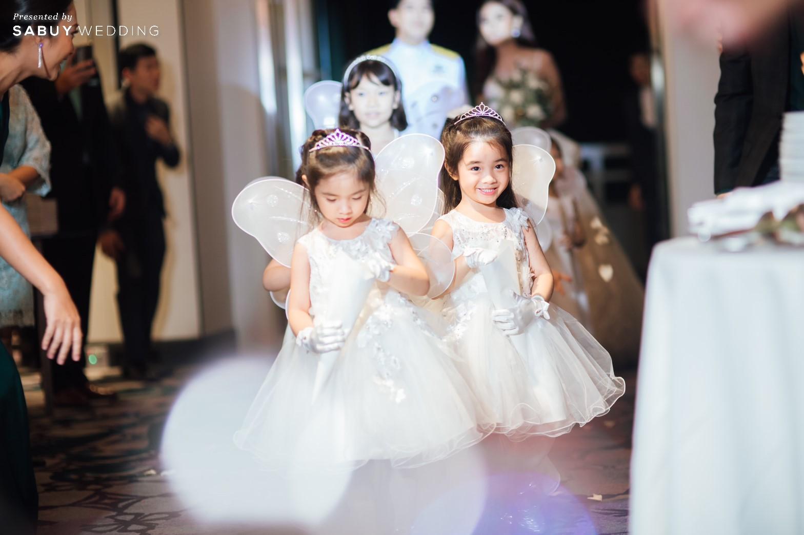 งานแต่งงาน รีวิวงานแต่งริมน้ำสุดอบอุ่น สวยละมุนในโทนขาวเขียว @ Chatrium Hotel Riverside Bangkok