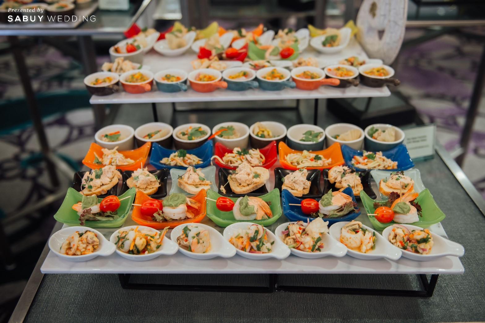 อาหารงานแต่ง รีวิวงานแต่งริมน้ำสุดอบอุ่น สวยละมุนในโทนขาวเขียว @ Chatrium Hotel Riverside Bangkok