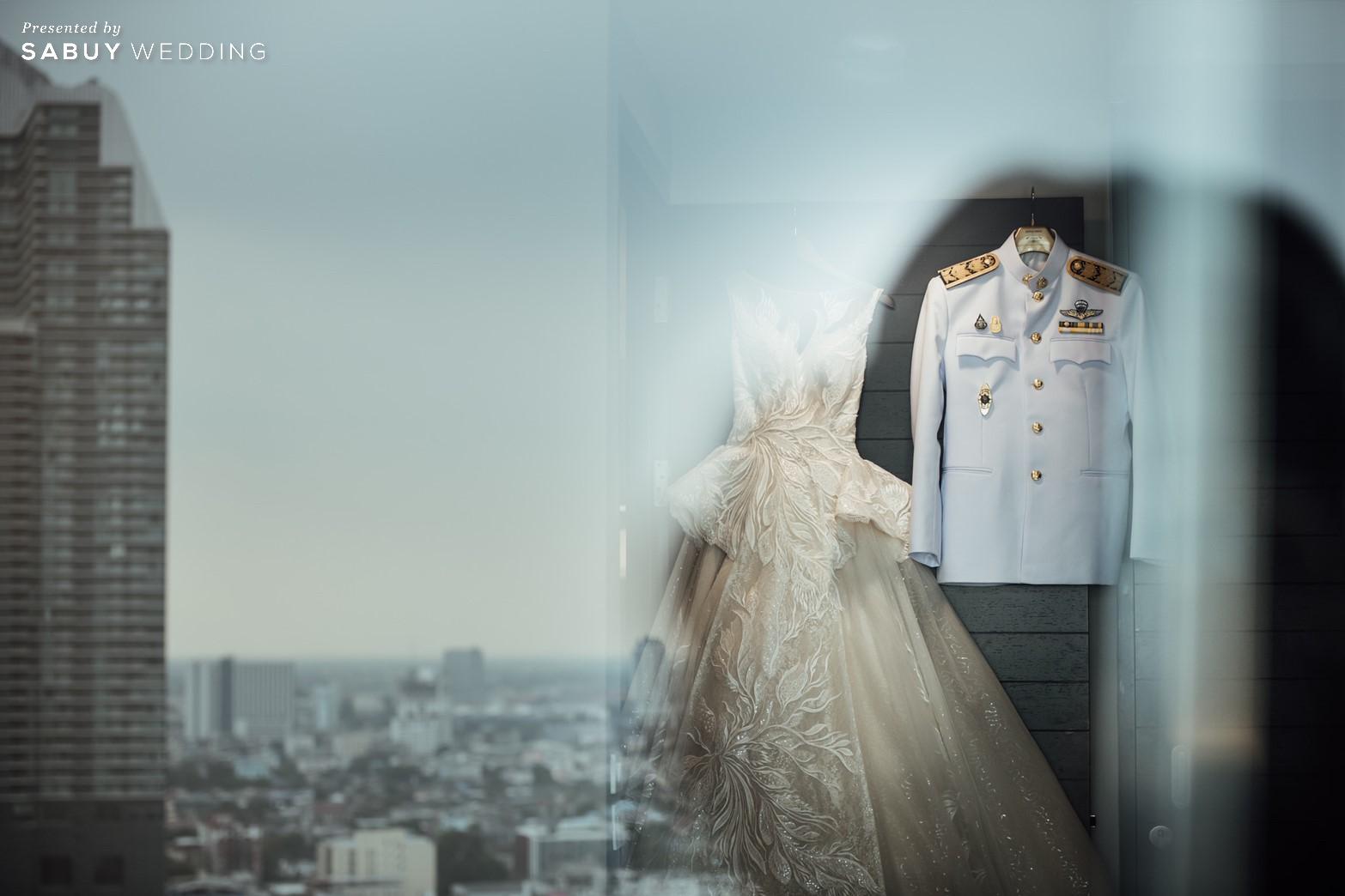 ชุดแต่งงาน,ชุดเจ้าสาว รีวิวงานแต่งริมน้ำสุดอบอุ่น สวยละมุนในโทนขาวเขียว @ Chatrium Hotel Riverside Bangkok