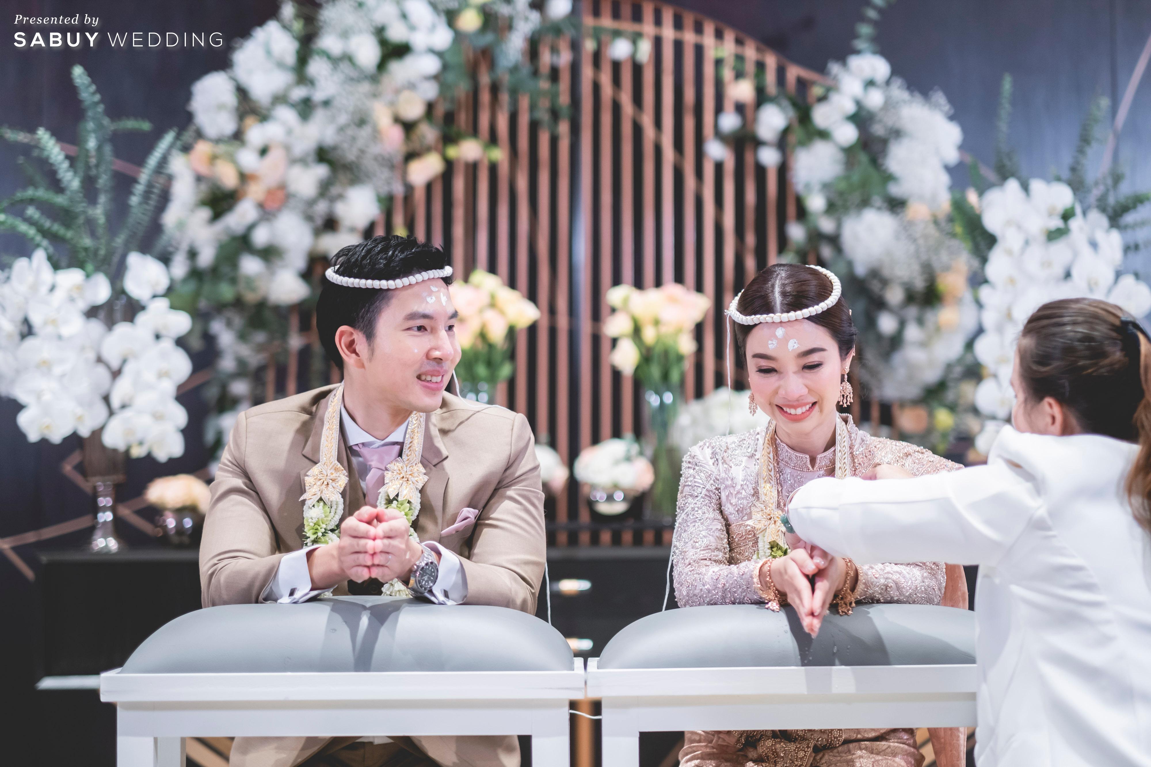 ชุดแต่งงาน,ชุดไทย,งานแต่งงาน รีวิวงานแต่งธีมสี Taupe สวยดูดีแบบ Luxury Style @ Hyatt Regency Bangkok Sukhumvit