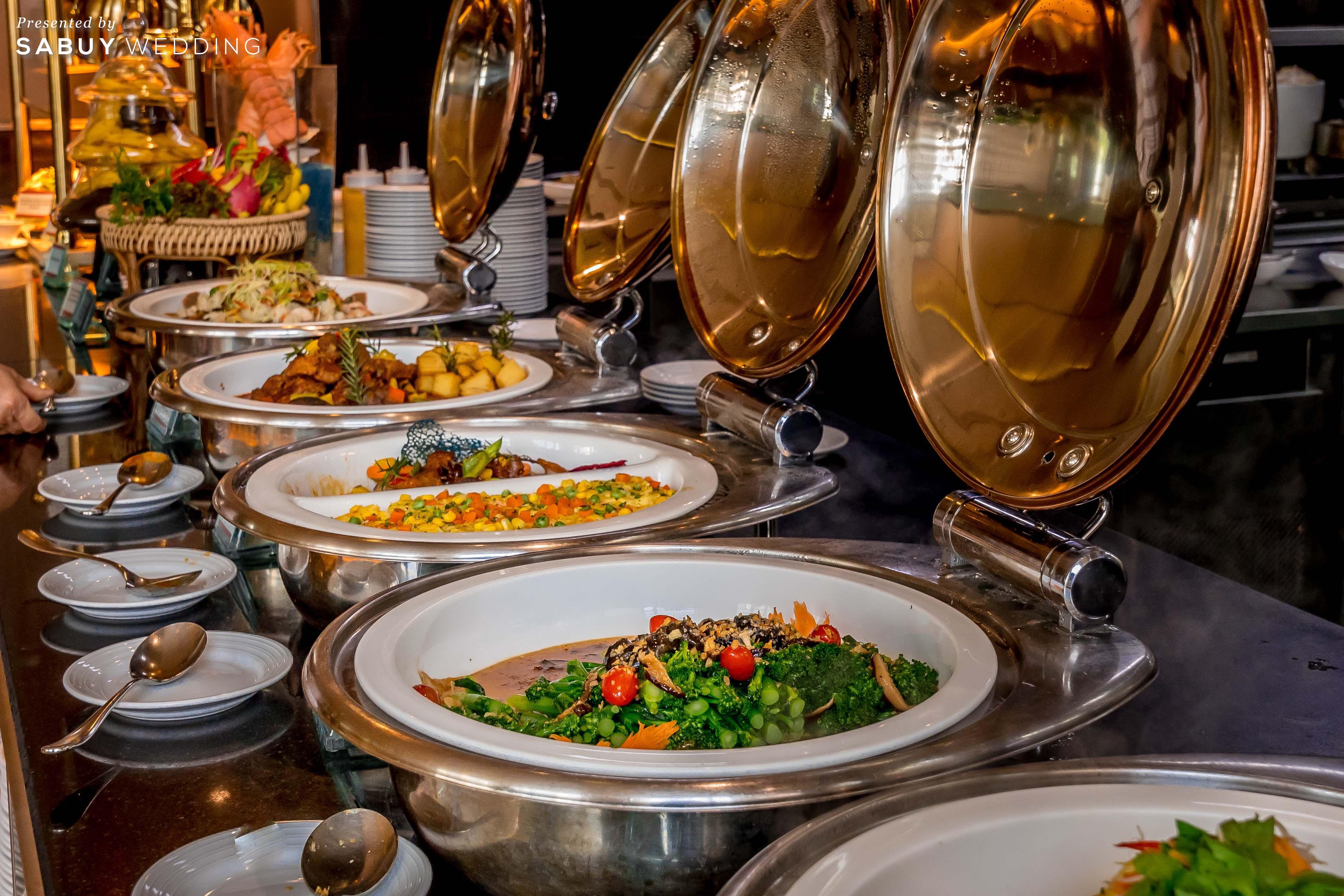 อร่อยถูกใจทั้งครอบครัวต้องบุฟเฟ่ต์นานาชาติ ที่ เดอะ กลาส เฮ้าส์